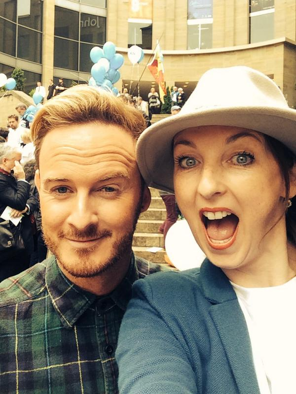 The eve before the #IndyRef in #Glasgow with @mondodoll @Heughan @martin_compston @BlairJenkinsYes @libby_mcarthur RT http://t.co/clu9HCdc7s
