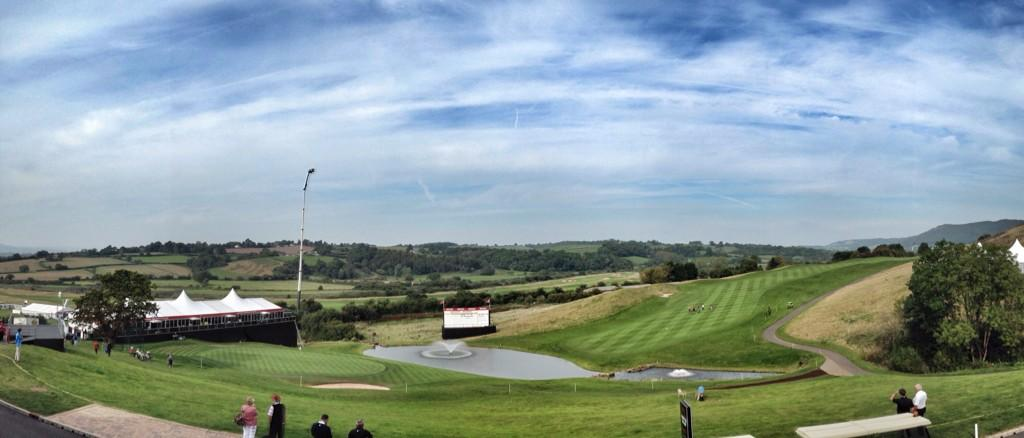 RT @EuropeanTour: View from the clubhouse of the finishing hole. #WalesOpen http://t.co/gvxz1vFK43