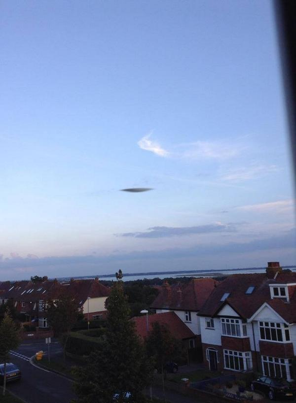 OVNI de Portsmouth : l'hypothèse du nuage lenticulaire écartée BxwPjM7IQAA21L1