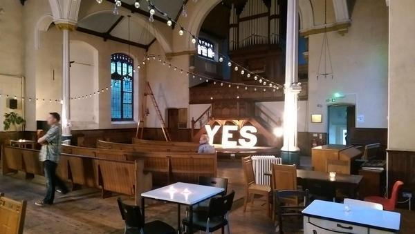 Friendly meetup, sinister cult or #indyref nod? You decide! #churchoffail #LGR2014 @NixonMcInnes @Culture24 http://t.co/kSu4DaIJtY