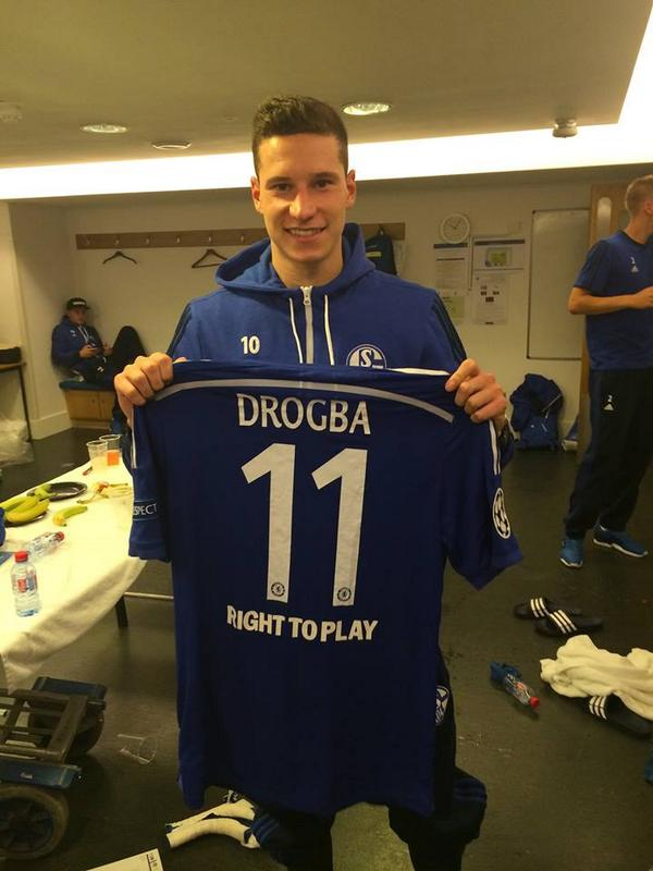 watch e42ee 7605f Schalke attacker Julian Draxler collected Didier Drogba's ...