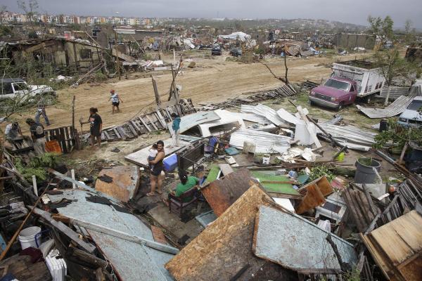 Odile rips Cabo San Lucas to shreds http://t.co/F6CkCi42u3 #odile #KVOA http://t.co/vugaugxE25