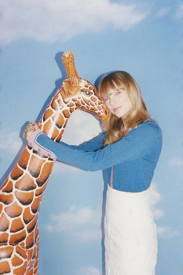 Taylor Swift News Tswiftinasia On Twitter New Outtakes From Taylor Swift Wonderland Photo Shoot Last Year Http T Co J5jbsdcjaq