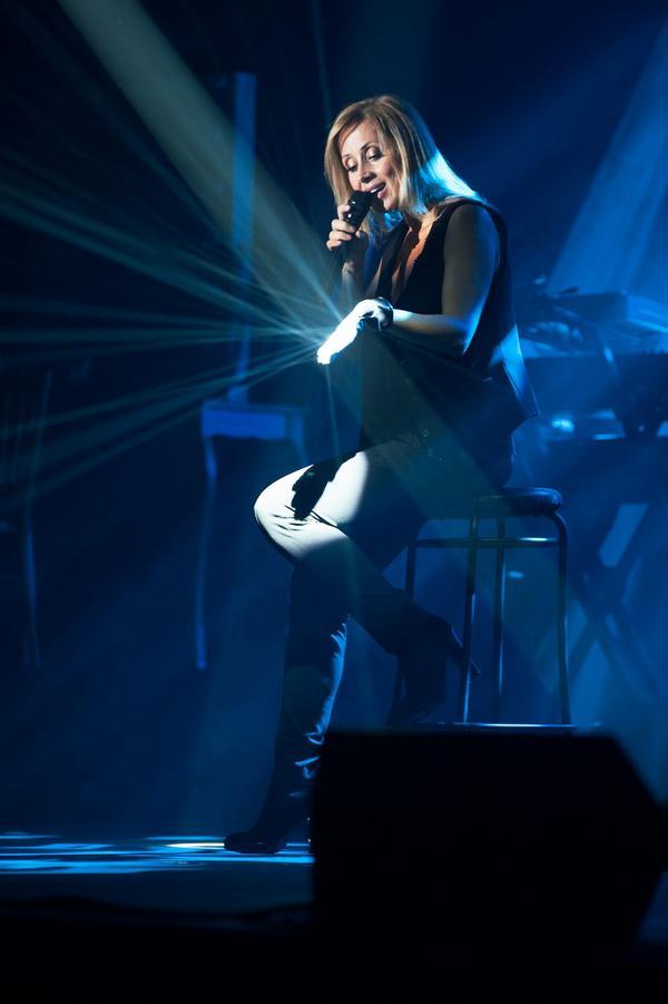 Lara Fabian téměř vyprodala i druhý koncert!  Pořadatel přidává na koncerty omezený počet vstupenek za speciální cenu http://t.co/YQP6XDfTNA