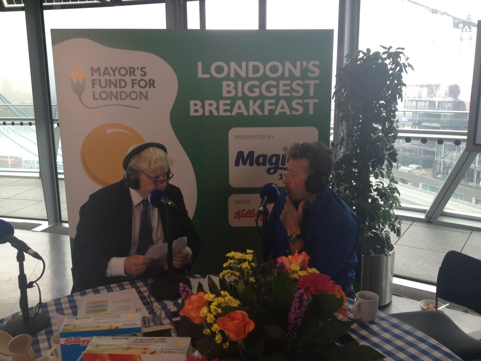 No London child should go hungry. #LondonsBiggestBreakfast held in City Hall this morning http://t.co/b4TauXWYu3 http://t.co/LeABotWD3K