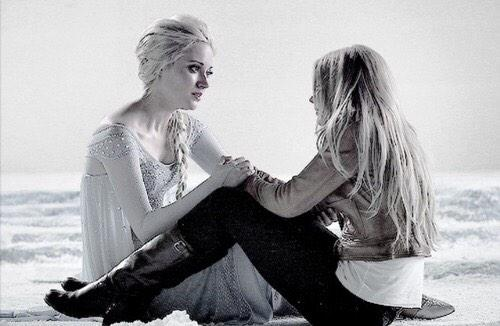 Day 39: these two have a lot in common. #101Smiles #UglyDucklings @GeorginaHaig http://t.co/0USosgMj