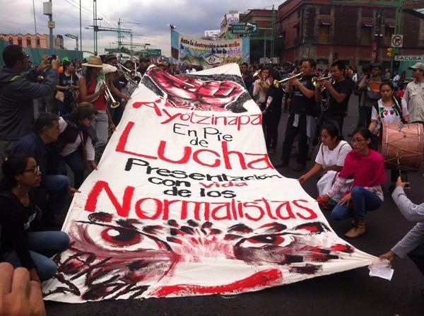 Repudio total al asesinato de los normalistas de #Ayotzinapa #2deOctubreNoSeOlvida @anonopshispano @julioastillero http://t.co/sfB2avXwsb
