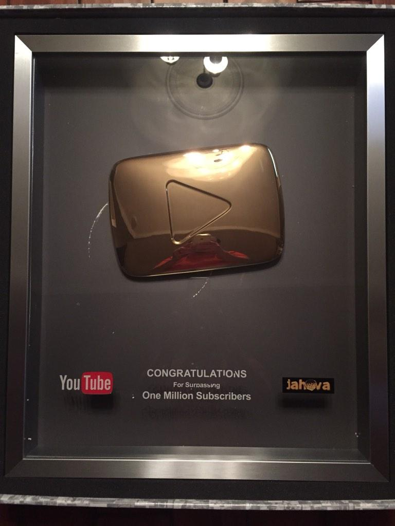 """Youtube S Music App Could Rule All Streaming Services: H҉o҉v҉a҉ On Twitter: """"Well My @youtube Gold Play Button"""