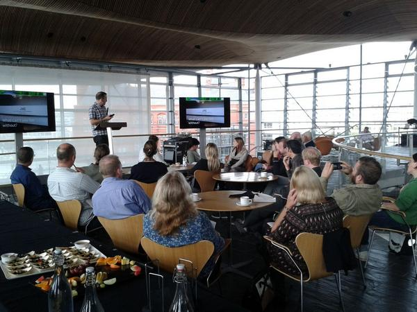 @Rochenko starting off the energy café for today's #asenseofenergy @AssemblyWales http://t.co/SPJ0njic0D