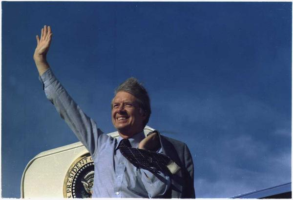President Carter waving from #AirForceOne on May 17, 1977. Wishing you a wonderful 90th birthday #JimmyCarter! http://t.co/3ktMBiLlcm