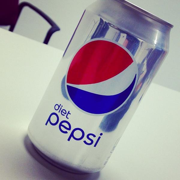 Its time for a Diet Pepsi, any way you look at it. Great shot, Tomas. http://t.co/NvQIcrxLa3