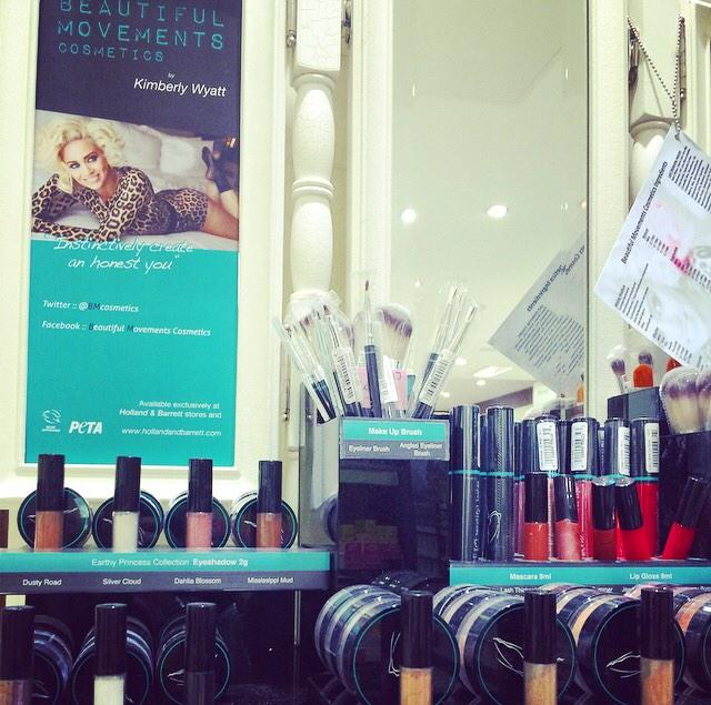 RT @hb_trafford: Check out our 'Beautiful Movements' cruelty free / veggie friendly cosmetic range by the gorgeous @KimberlyKWyatt 😍💄💋 http…