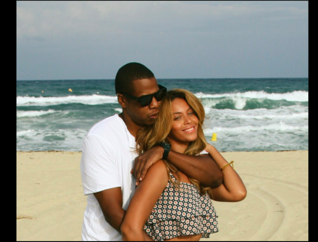 RT @GlobalGrind: Beyonce shares new intimate photos with Jay & Blue http://t.co/fkJ8gH3WL5 http://t.co/JaH3I2Pa4e