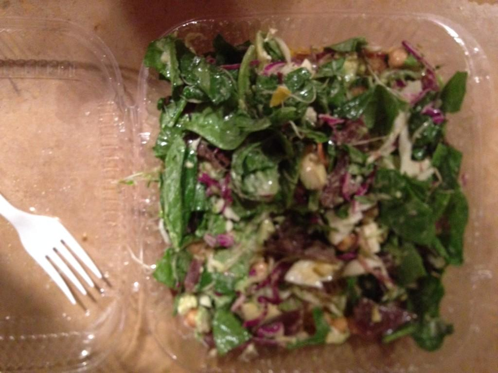 Lunch on the run-Got this gr8 salad @salad bar: Cabbage/spnch/mesclun/avo/raw-cooked egg/olve oil/UDO'S/salt/raw feta http://t.co/kdwKSC2Xi6