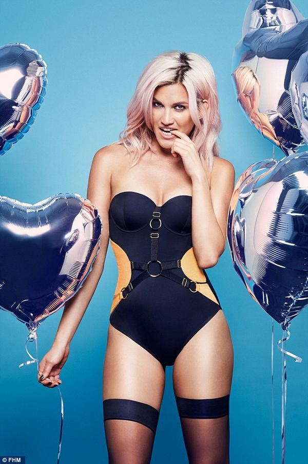 Doll >> Ashley Roberts (The Jump 2015) - Página 39 By7AUM1IcAA75wr