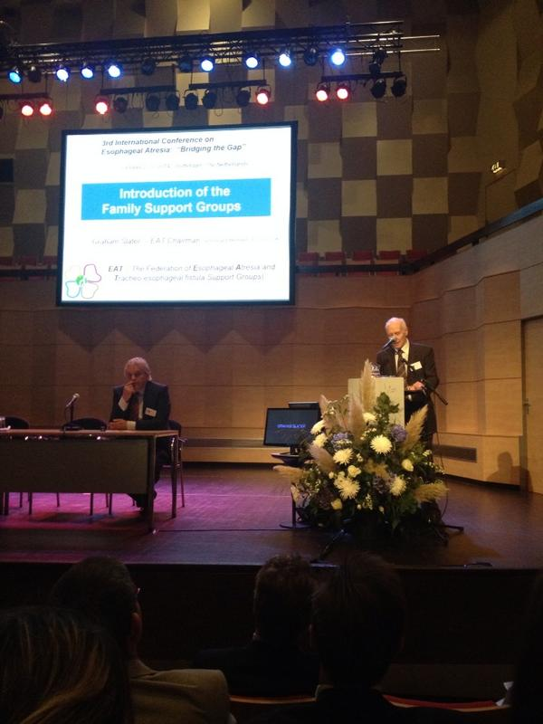 #inoea il presidente della federazione eu delle famiglie introduce la conf, per prima volta pazienti hanno forte voce http://t.co/lE6Sg05PGO