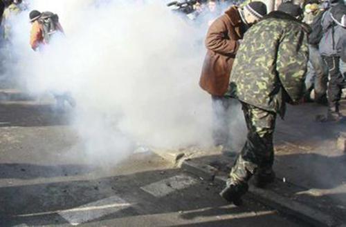 """Взрыв на трамвайной остановке в Донецке: террорист """"ДНР"""" решил поиграть с гранатой и подорвал сам себя - Цензор.НЕТ 3612"""