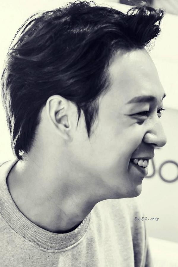❤ RT @Geministar06: Stop killing me with your smile and your curve lashes.....>.<♥ (Cr to SeoJeong) - 1 http://t.co/Ci1sDtqMZt