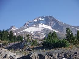 #209exit I made a connection to the sulfur fountain. Mt. Hood, Oregon, a dormant volcano, smells of sulfur. http://t.co/xFNc1eOgEw