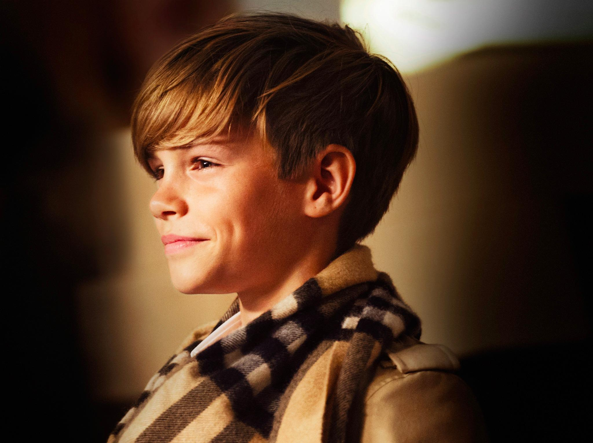 Romeo Beckham, behind the scenes at the @Burberry Festive campaign. Coming November 2014. http://t.co/Io4ViAjAOA