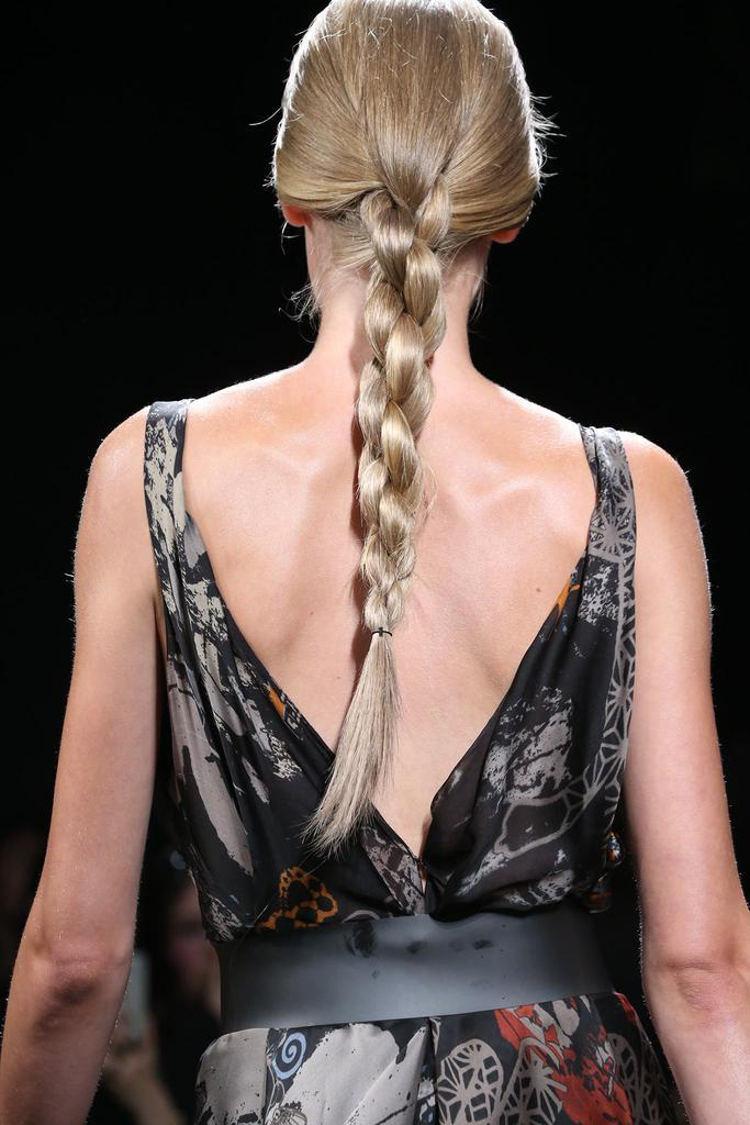 The braid we're eager to try ourselves: http://t.co/lHLIfpJWCc http://t.co/YZCrrG3F0D