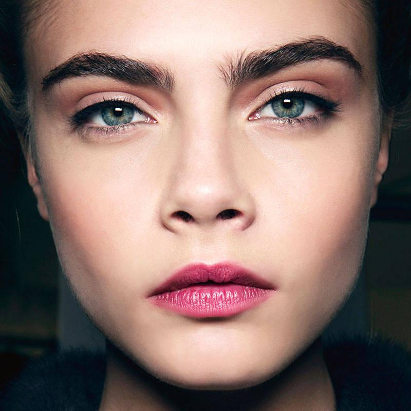 5 tricks for getting Cara Delevingne's lush eyebrows: http://t.co/1OgdqAmTrS http://t.co/RMC3aaYceN
