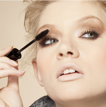 We are OBSESSED with these lashes: http://t.co/bSGGVRZAf9 http://t.co/y6ihteXEh7