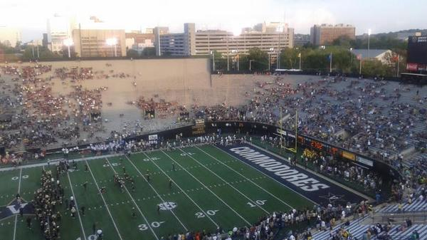 Looks like 95 percent of the Vandy student body found something else to do tonight http://t.co/JcYN6UM9O6