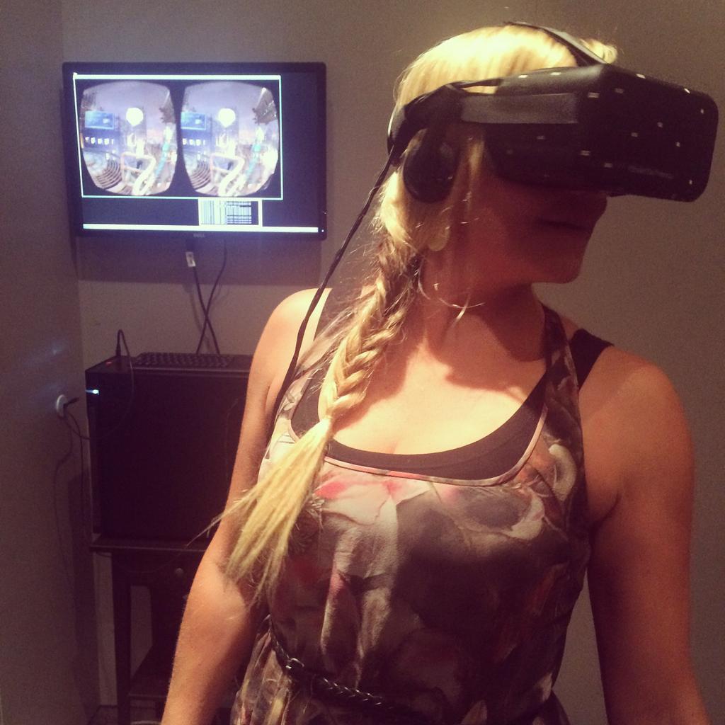 [VR] Oculus Rift, HTC Vive, Playstation VR & co - Page 3 ByBP6jMCEAEVuNu