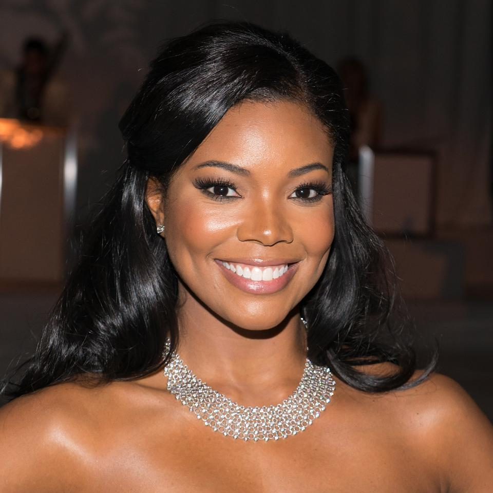 Gabrielle Union always looks gorgeous--but you MUST see how cute she looks with her new bangs: http://t.co/Y4h1GHrWnx http://t.co/KDAh0KonMe