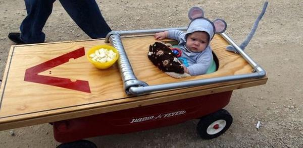 Ha! Best costume ever! http://t.co/JjlJMWSZxT