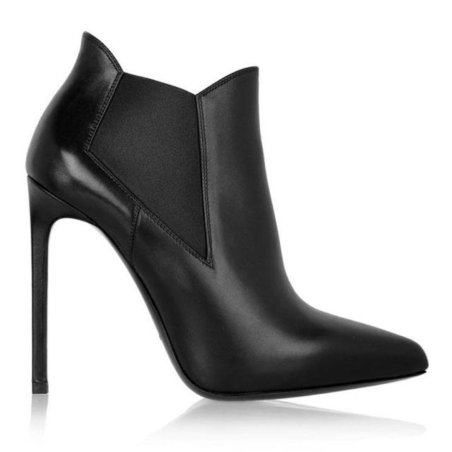 The 12 shoes EVERY woman should have in her closet: http://t.co/j53skj4j5I http://t.co/oEaW1Y6sSz