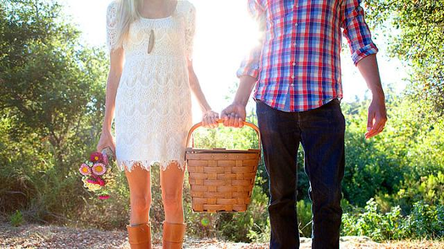 14 dating rules everyone can just break now and forever more, please: http://t.co/7WWN0JMKq4 http://t.co/6O1eK5BRxP