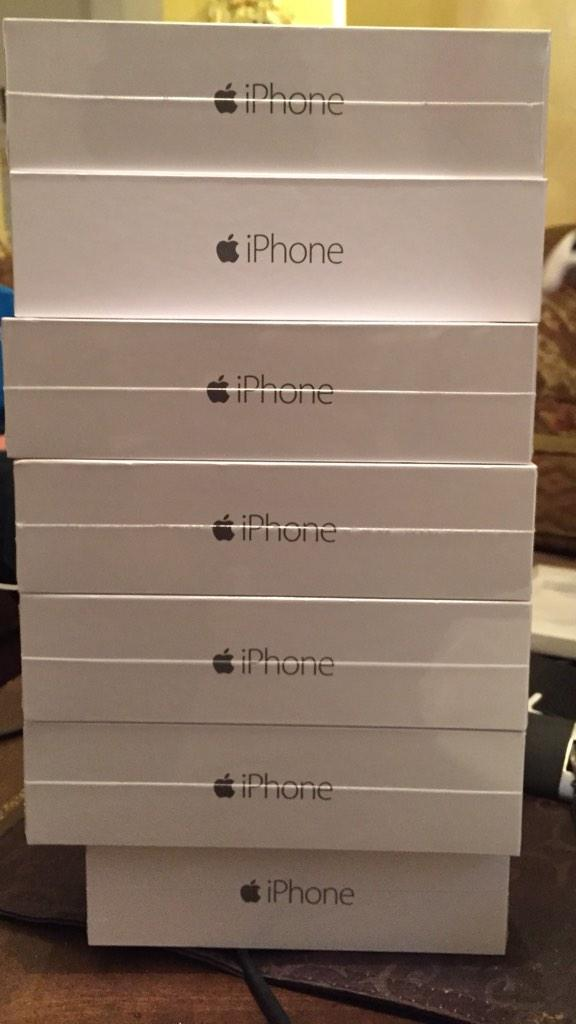 Bought a few iPhones on launch day, thinking about giving these away here... http://t.co/xyNoRsbdEE