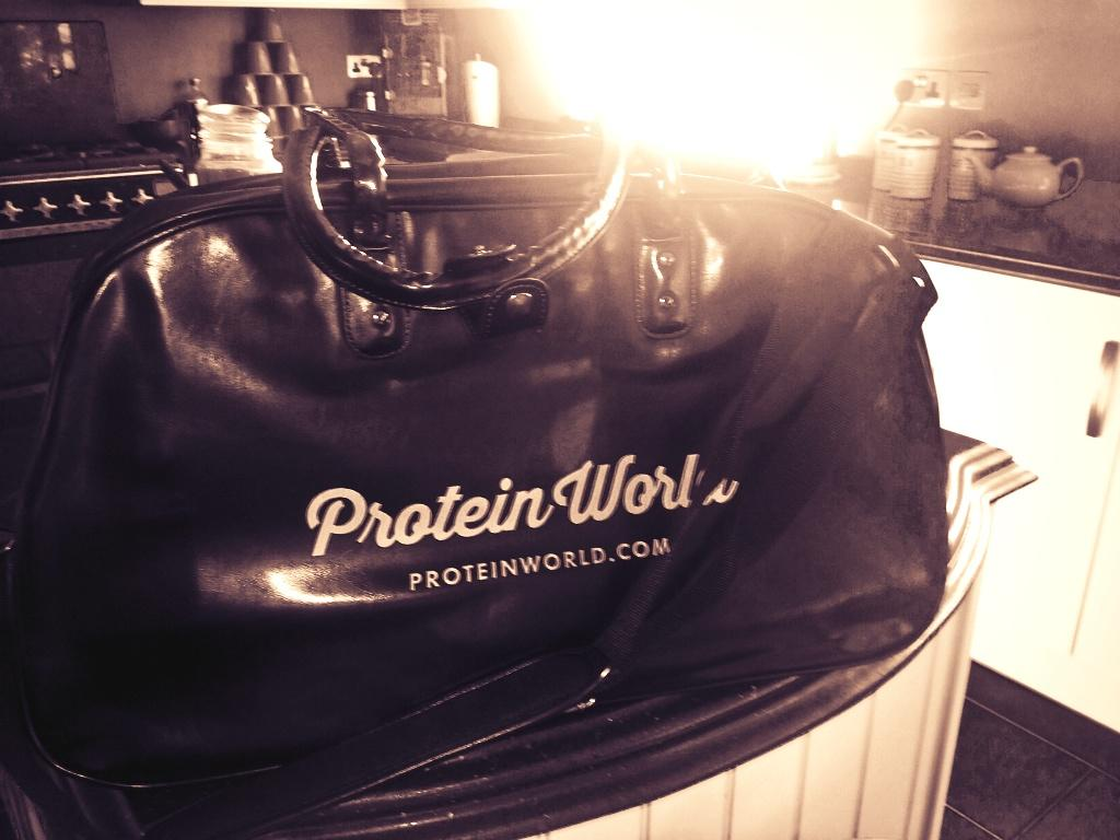 Thanks for the bag @ProteinWorld 👜 👌 off to the #Gym for me now! http://t.co/JEbUCXvRtM