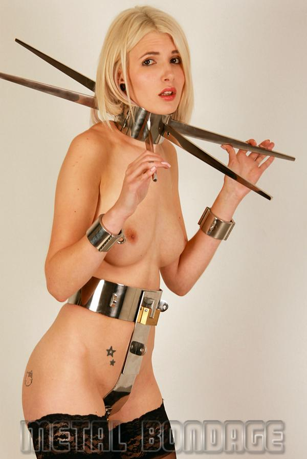 naked heavy metal girls pics