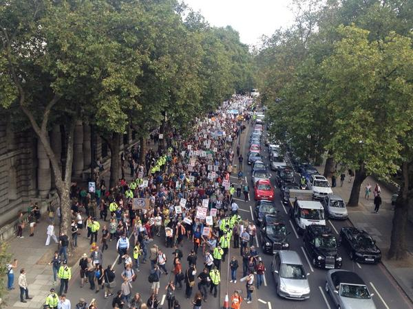 Thousands have turned out for #PeoplesClimate march in london http://t.co/EEHs2xsJH1