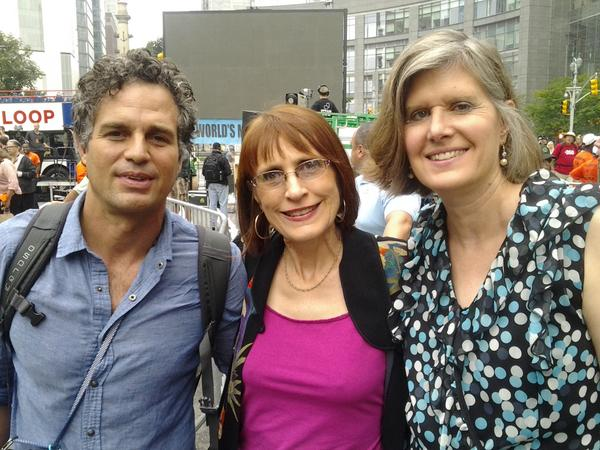 Actor @MarkRuffalo joined @WenonahHauter and @ssteingraber1 at the #PeoplesClimate March today, to #BanFrackingNow http://t.co/6WzI94KLwg