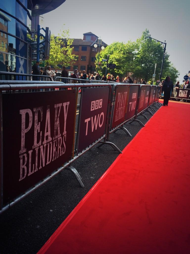 Peaky Blinders BBC saison 2  ByEKaU-IMAEoMnM