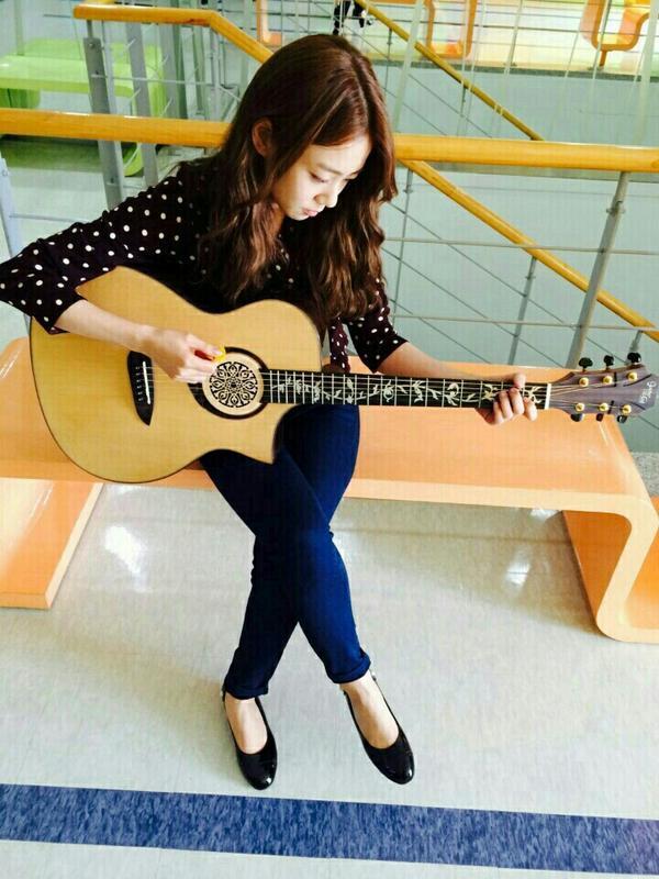 기타치는 승연 ♥ http://t.co/2Pkuyyp8qg  http://t.co/yTt3wCBXN5 출처 : http://t.co/Uy3tNxx86x