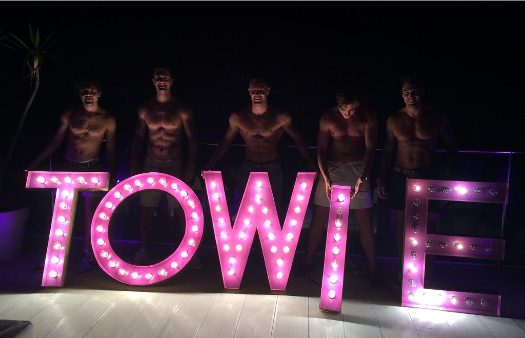 RT @LydiaRoseBright: Love this. Any excuse to get the tops off :D @tompearce1 @DannyO @elliottwright_ @lewis_bloor @Mario_Falcone http://t.…