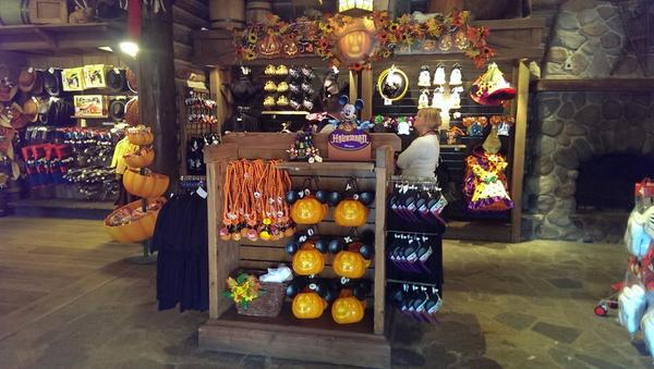 insidedlparis on twitter halloween merchandise hit the shelves of select disneyland paris shops httptcoh1nub4epaw