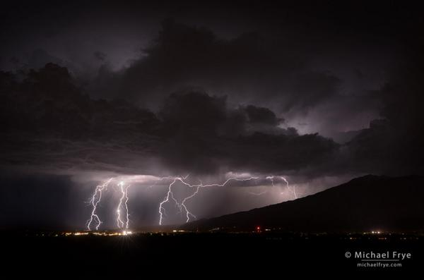 Lightning over Bishop, CA, on Saturday night. The story behind the photograph: http://t.co/RF7iGa4dAj http://t.co/2fJ0MWqtyx