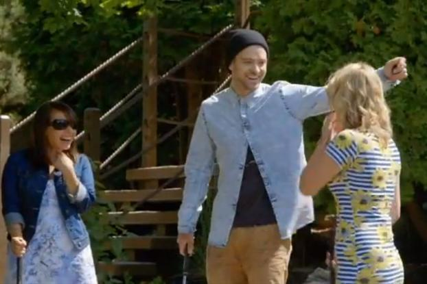 Here's what it's like playing mini golf, eating nachos & drinking beer with Justin Timberlake http://t.co/UQQsdIbj5P http://t.co/HBMHT5bzyW