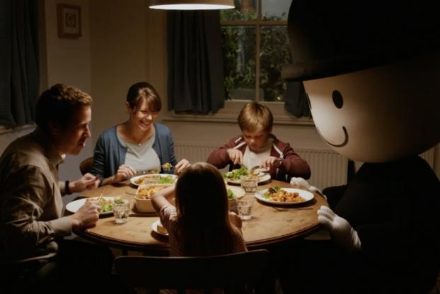 British food brand turns its bowler-hatted mascot into ... a homewrecker? http://t.co/krXPc8e2j7 http://t.co/bVtoxGpaYO