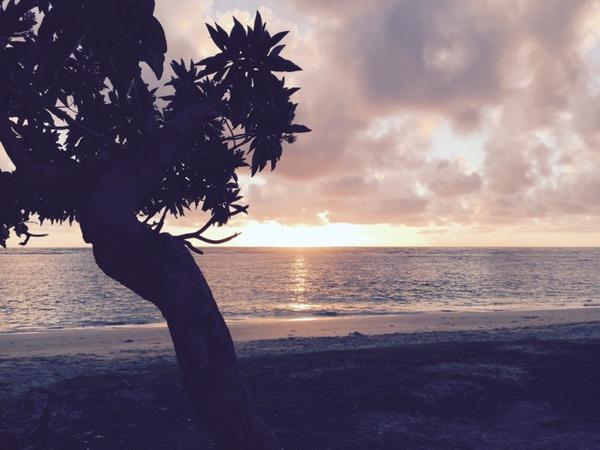 Aloha Sunrise http://t.co/nE6CsyOqFc