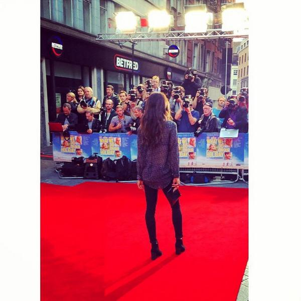 Nothin like a Monday night world premier with this beaut @DaniellePeazer #WhatWeDidOnOurHoliday #odeon http://t.co/jebTkACl7u