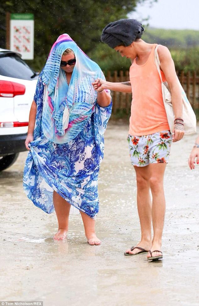 Braving the Ibiza rain this afternoon.. #WhereIsTheSun ☁⚡☔ http://t.co/TYHFLI5mBa