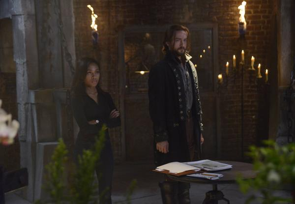 """Anything can be tricked into believing a lie."" - Henry #sleepyhollow #sleepypremiere http://t.co/1HTt1hJvFV"