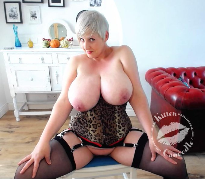New pics & vids coming soon... #Exhibitionist #BigNaturals #Boobs #BigAreolas #Stockings #PinUp #ShortHair